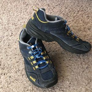Ryka outdoor distance plus size 6.5 hiking shoe
